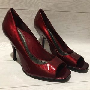 Beautiful Red Dressy Shoes Heels Pumps 9.5